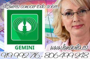 Luna Vila y su tarot en linea gratis. Géminis hoy una propuesta laboral puede cambiar el rumbo de tu vida