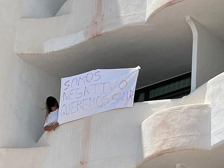 Continúa el confinamiento forzoso de los estudiantes madrileños en Mallorca