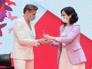 Ayuso coloca a Coral Bistuer en Deportes y a Patricia Reyes, ex Cs, en Igualdad