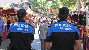 Rescatado un bebé atrapado en el interior de un vehículo en Alcorcón