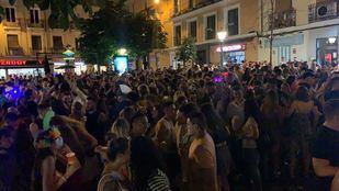 Chueca pone fin al Orgullo en una noche con nuevas aglomeraciones