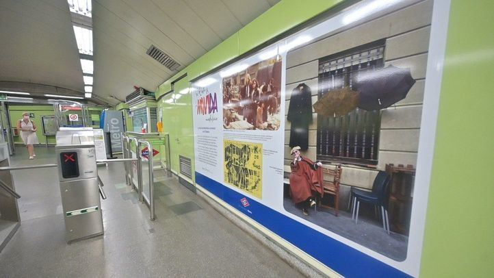 El Metro de Puerta de Toledo homenajea a la Movida Madrileña