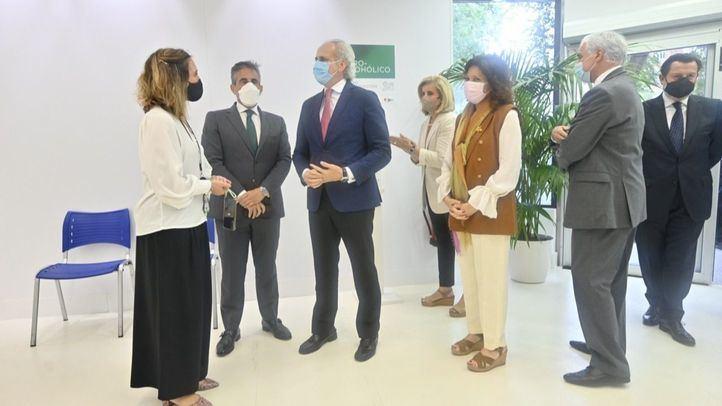 El Corte Inglés, Acciona y Santander empiezan a vacunar en Madrid