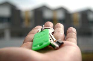 Abrir una franquicia inmobiliaria en Madrid: pros y contras