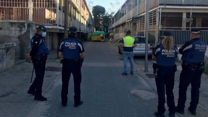 Cerca de 100 identificados en antiguos pisos okupados en UVA de Hortaleza