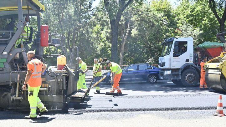 Trabajos de asfaltado en Ronda de Toledo