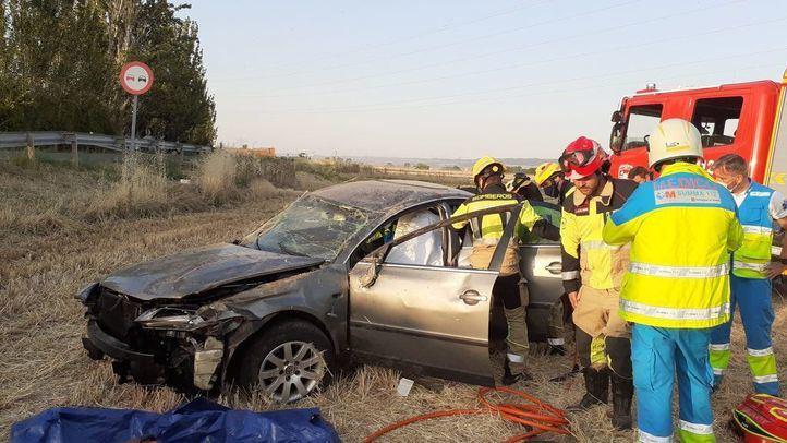 Herido grave tras dar varias vueltas de campana con su coche en la M-121