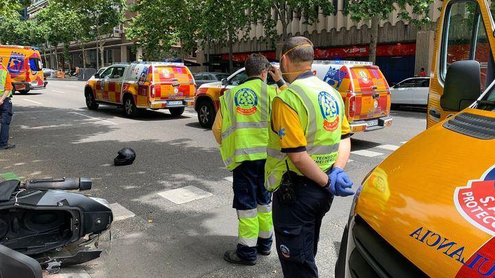 Un motorista, grave tras chocar con un turismo en la calle Velázquez