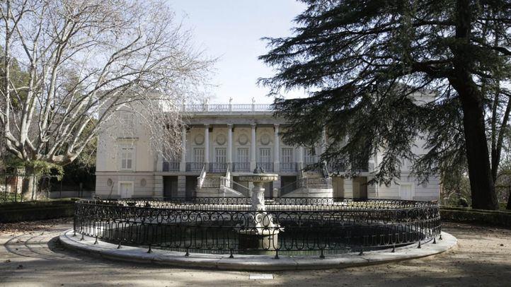Palacio de los Duques de Osuna, en el parque de El Capricho.