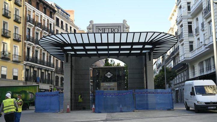El exterior de la estación de Gran Vía, horas antes de la inauguración oficial.