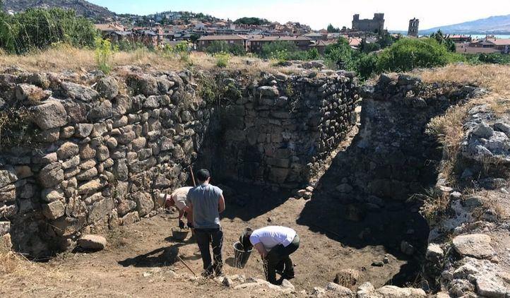 Hallazgos inesperados en la I Campaña Arqueológica sobre el Castillo Viejo de Manzanares El Real