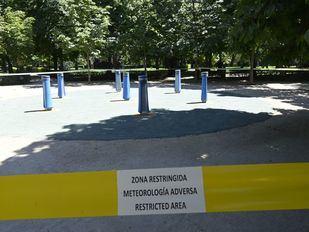 El Retiro y otros ocho parques de Madrid mantendrán zonas balizadas por altas temperaturas