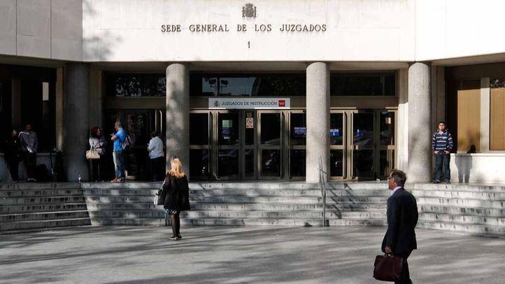 Entrada principal de los juzgados de plaza de Castilla, sede general de los juzgados