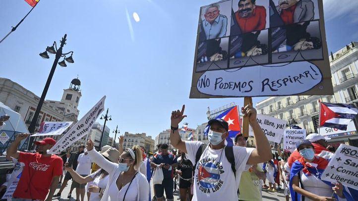 Cientos de personas recorren Madrid en apoyo al pueblo cubano