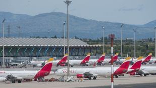Un total de 120 asociaciones solicitan la paralización de las ampliaciones de Barajas y El Prat
