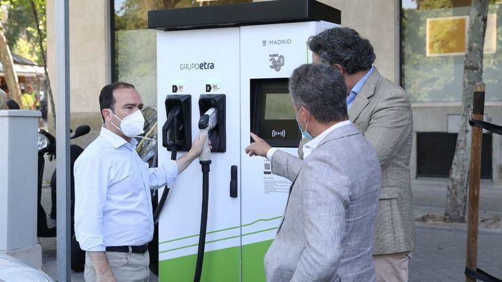 Puesto de recarga para coches eléctricos