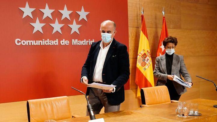 Antonio Zapatero y Elena Andradas en una rueda de prensa