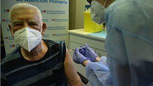 Díaz Ayuso, partidaria de inocular una tercera dosis de la vacuna a los grupos vulnerables