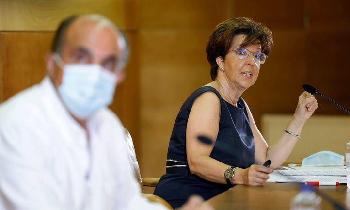 El viceconsejero de Asistencia Sanitaria y Salud Pública, Antonio Zapatero, y la directora general de Salud Pública, Elena Andradas.