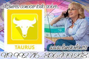 Una de las tarotistas en san Sebastián es Luna Vila: Tauro, te señala tu horóscopo de hoy, que un compañero te dará un buen consejo