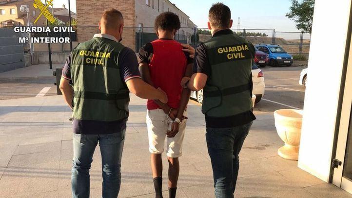 Detenido en Villaverde un joven de 18 años por abusar de una menor de 14 en Seseña