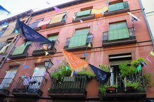 El Madrid más castizo celebra unas restringidas fiestas de San Cayetano, San Lorenzo y La Paloma