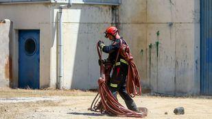 La Comunidad envía tres dotaciones de bomberos a un incendio en Ávila