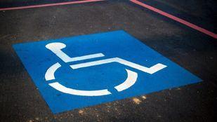 Hasta 3.000 euros por mal uso de la tarjeta de estacionamiento para personas con movilidad reducida