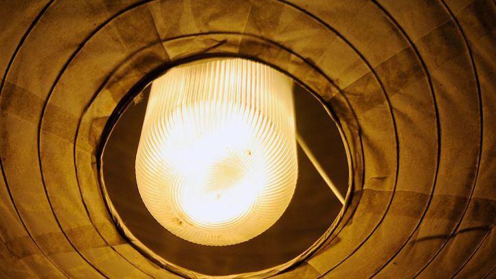 La factura de la luz da un respiro y baja el precio tras cinco días consecutivos de subidas históricas
