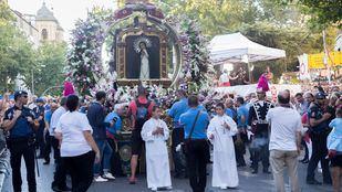 Las Ventas acoge una misa por la Paloma y el cardenal Osoro oficia la eucaristía solemne en la parroquia