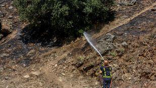 Cuatro dotaciones de Bomberos acuden al incendio de Navalacruz (Ávila)
