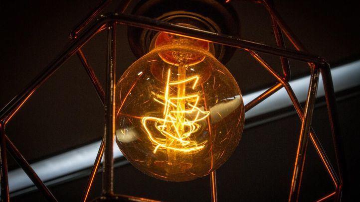 El precio de la luz repunta este martes, pero se mantiene por debajo de los 90 euros/MWh