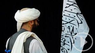 La comunidad internacional y afganos recelan de las promesas de los talibanes