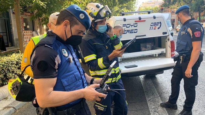 El derrumbe de una fachada en la calle Eloy Gonzalo deja varios heridos leves