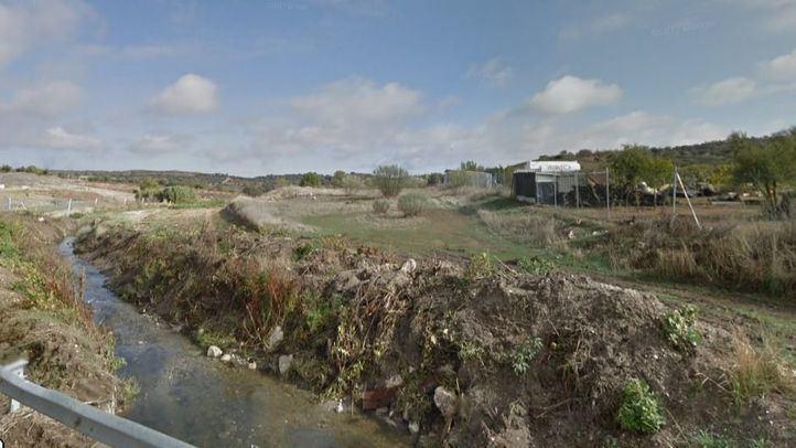 Un detenido por verter residuos de un matadero durante diez años en un arroyo