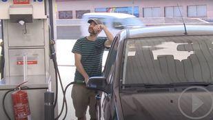 El precio de los carburantes cae pero sigue siendo más caro que hace un año