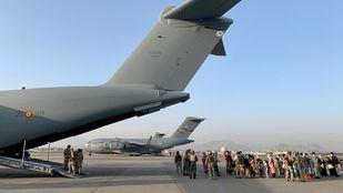 Dos aviones del Ejército del Aire evacúan de Kabul a 177 personas esta madrugada