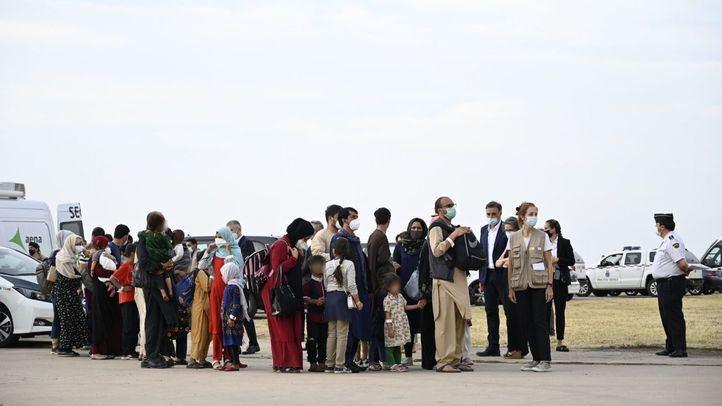 El Gobierno acelera las evacuaciones de Kabul con la llegada prevista de más de 300 afganos esta tarde a Torrejón