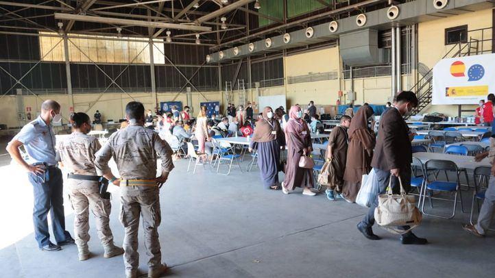Más de una docena de muertos en varias explosiones en el aeropuerto de Kabul