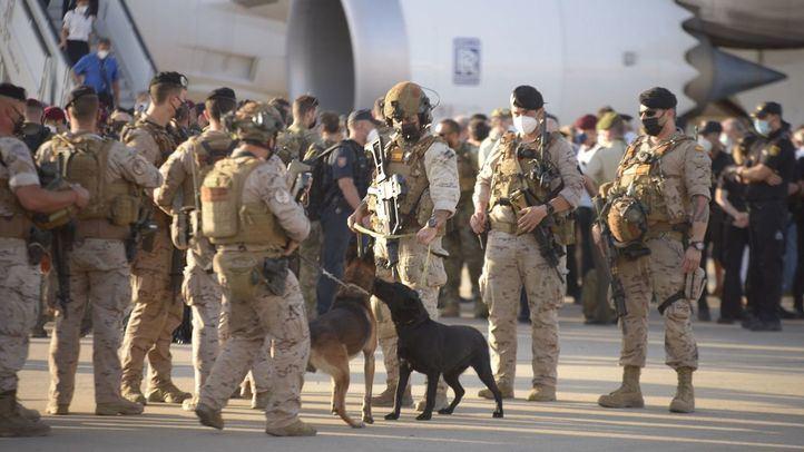 Aterriza en Torrejón el último avión con evacuados de Afganistán y personal del operativo