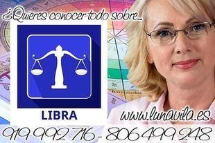 Luna Vila te leerá las cartas del tarot del amor y de los arcanos: Libra, vive solo con lo necesario
