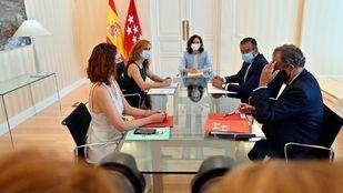 Más Madrid y PSOE abren la ronda de contactos con Ayuso