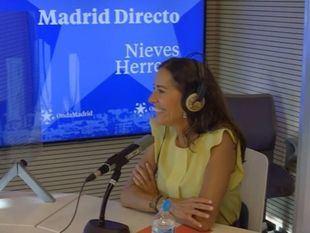 Eugenia Carballedo, presidenta de la Asamblea en el estudio de Onda Madrid.
