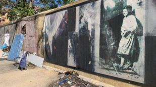 El mural homenaje a Robert Capa amanece quemado