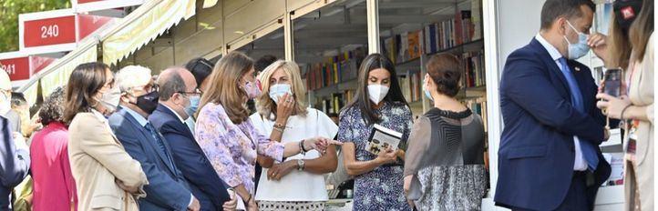 La 80ª Feria del Libro de Madrid comienza a recibir sus primeros visitantes