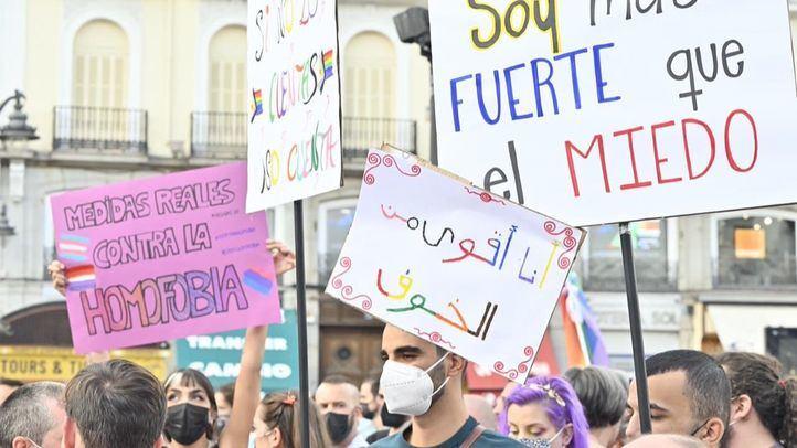 El colectivo LGTBI reivindica en Sol el derecho