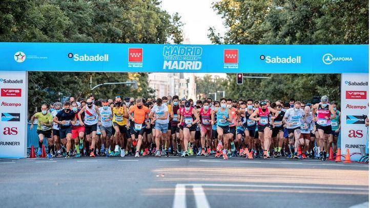 La carrera solidaria 'Madrid corre por Madrid' ha vuelto a la capital tras el parón de la pandemia