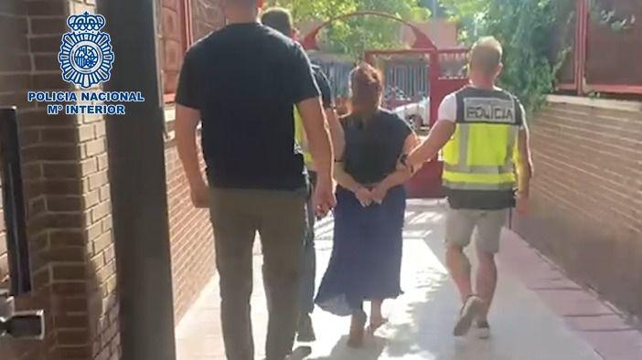 La Policía detiene a una mujer por expedir certificados falsos de test PCR