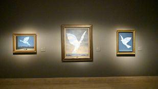 El universo de Magritte desembarca en el Thyssen