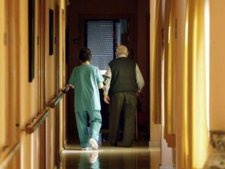 Cerca de un 5% del personal de residencias no ha querido vacunarse